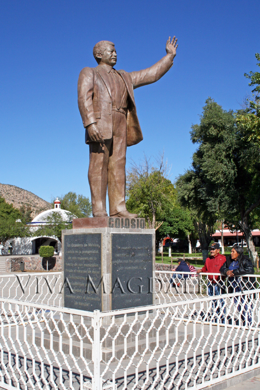 Monuments to Colosio and Kino in Plaza Monumental